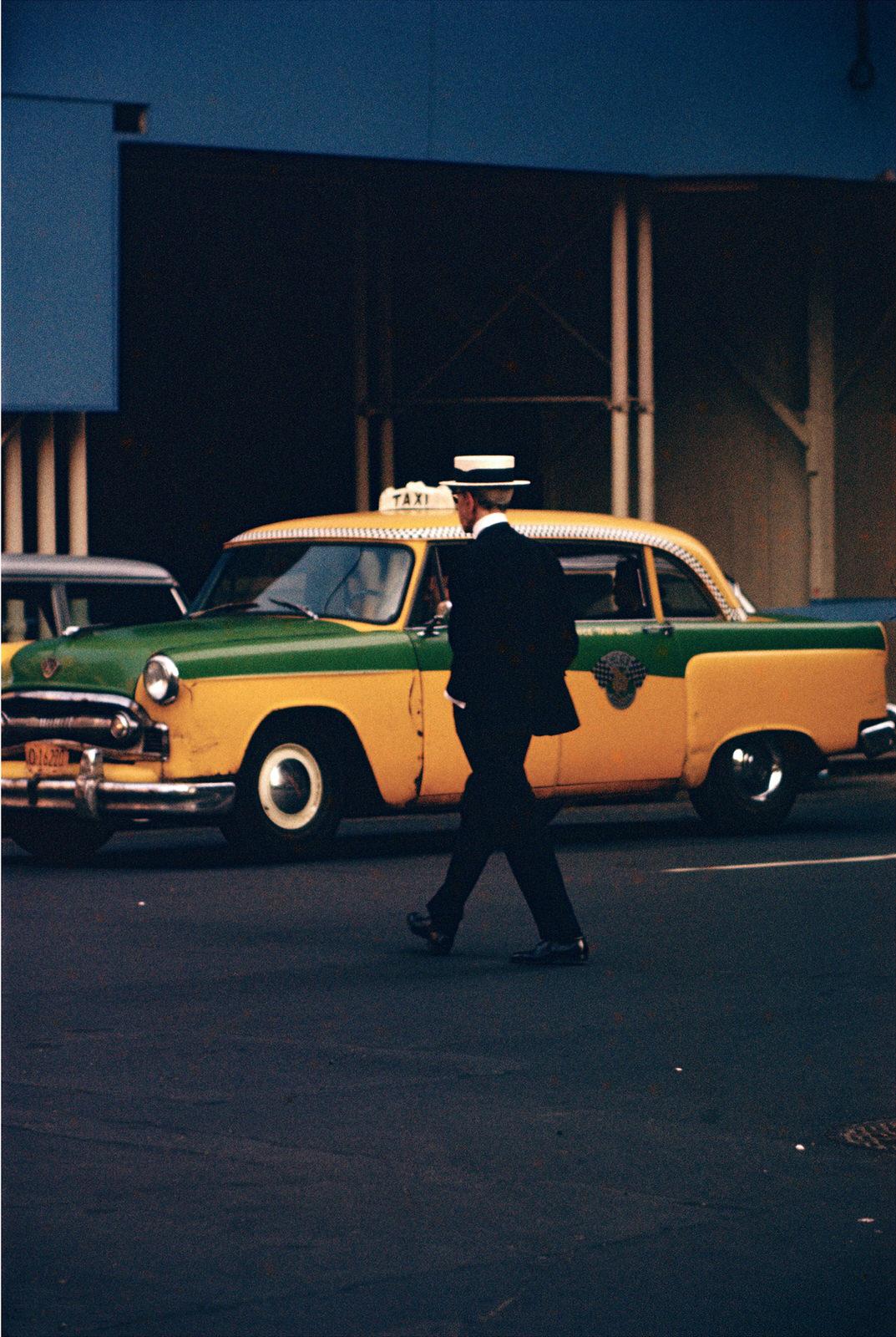 06_-Press-Image-Saul-Leiter-Straw-Hat-ca.-1955[1].jpg