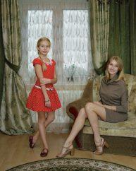 Rineke-Dijkstra_Marianna-and-Sasha-Kingisepp-Russia-November-2-2014-814x1024